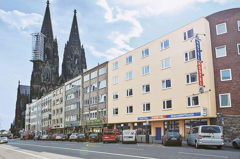 Hotel A & O Köln Dom **