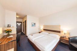 Novum Hotel Mariella Airport - Zimmer